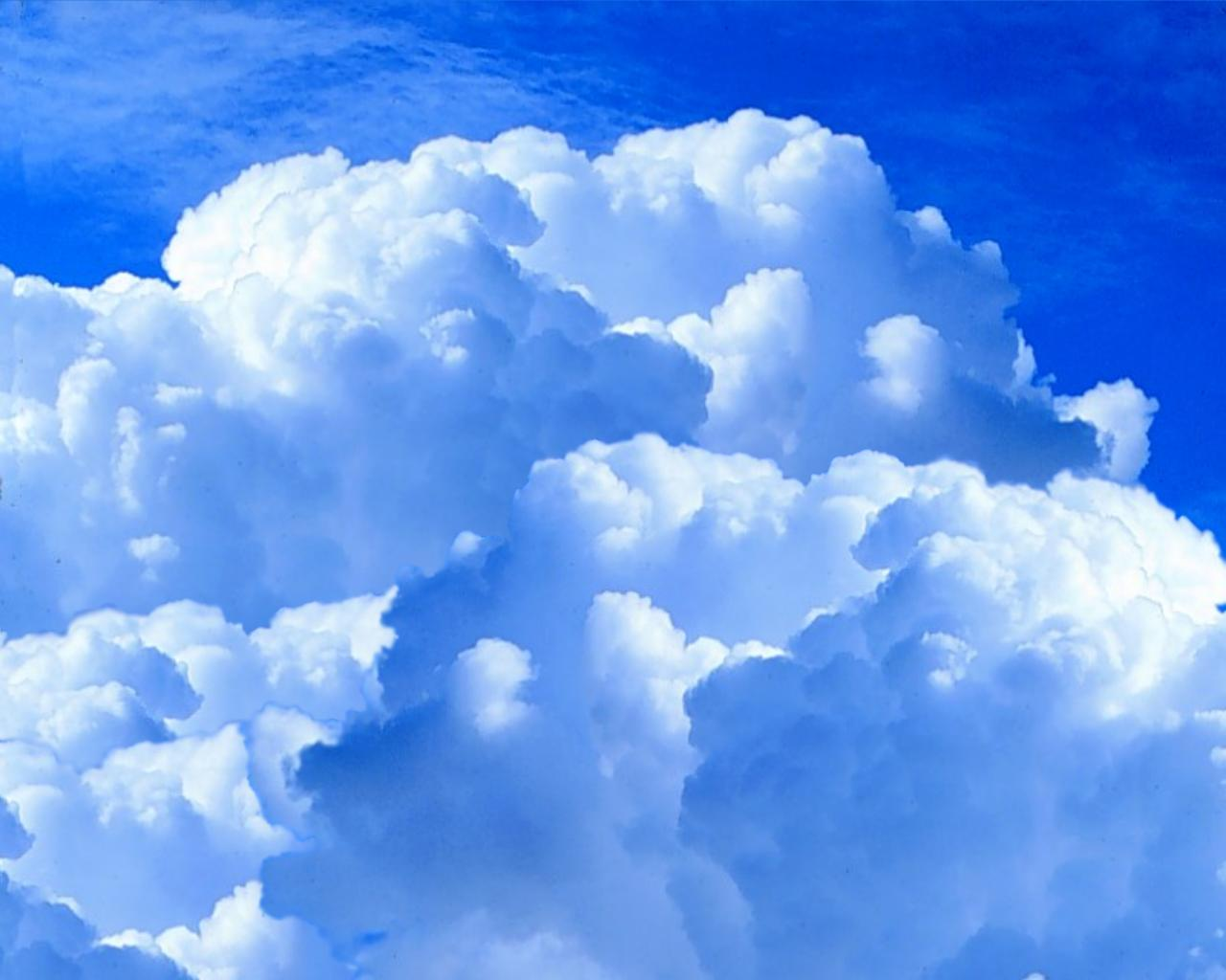Sky - Fluffy Clouds