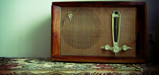 Lonely_Old_Radio_by_Vet_al