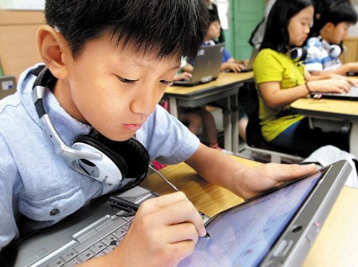 Korean Schools to Replace All Textbooks with Tablets