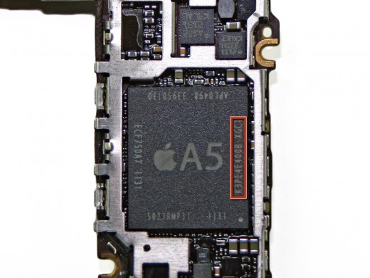 JCcASd1O1i2jQnOe 520x390 iPhone 4S teardown: 512MB of RAM, bigger 5.3 WHr battery and an upgraded vibrator