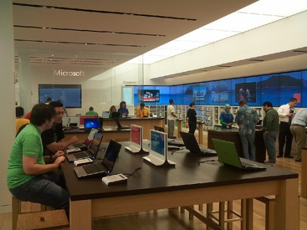 Microsoft Store AZ Ballmer: Weve got to beat Apple anyway, so lets build stores next to them
