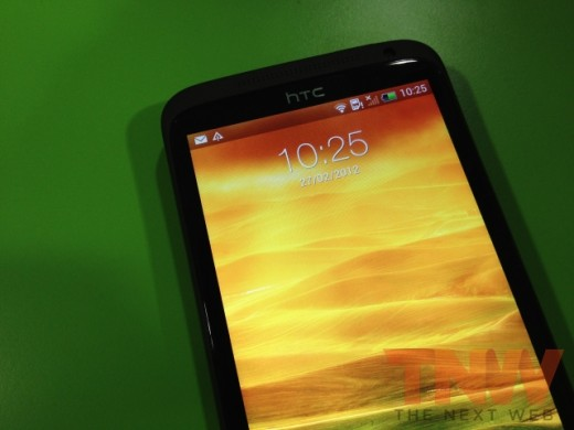 IMG 1732wtmk 520x390 Hands on with HTCs new One series smartphone lineup [Photos]