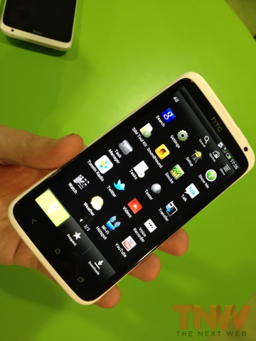 IMG 1879wtmk Hands on with HTCs new One series smartphone lineup [Photos]