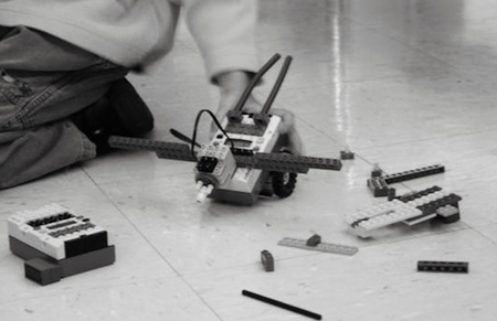 2 Snapseedw Tufts University uses LEGOs, robotics & musical instruments to get kids excited about tech