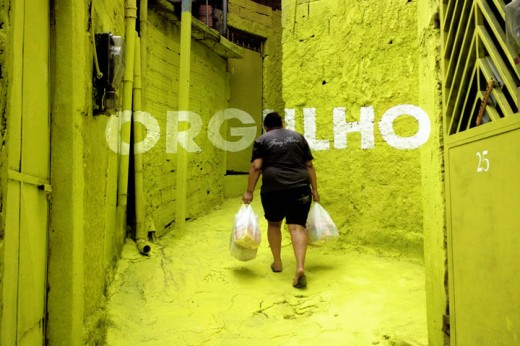 brasilandia orgulho 520x346 How colorful typography brought beauty and pride to a Brazilian slum