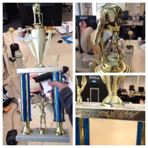 ApkhG0jCMAMFnAm 520x520 Twitters employee of the month trophy is an Ass