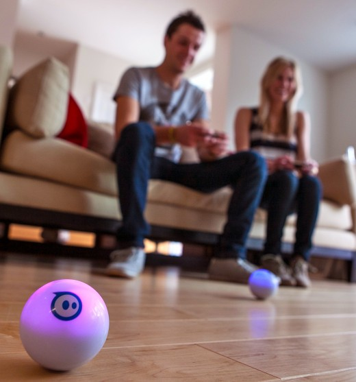 Sphero Couch 520x557 President Obamas new favorite toy Sphero gets new apps, will open up to devs on upcoming hack tour