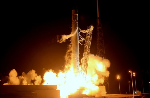 2012 05 23 12h42 23 520x339 The private space industry has arrived: SpaceX has orders for 40 rocket launches, worth some $4 billion