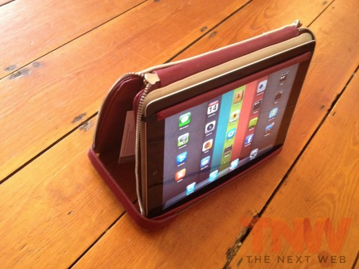 IMG 2589wtmk 520x390 Review: Lacambras stylish, elegant leather case positions your iPad any way you want it