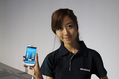 sgs31 Samsung Galaxy S3 going on sale in China June 8, available on all three carriers