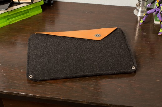 IMG 6937 520x346 Review: Mujjo Originals sheathes your MacBook in lovely swatches of leather and felt