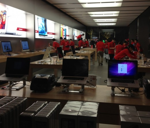 applestore prep 520x444 Apple kicks off iPhone 5 sales in China