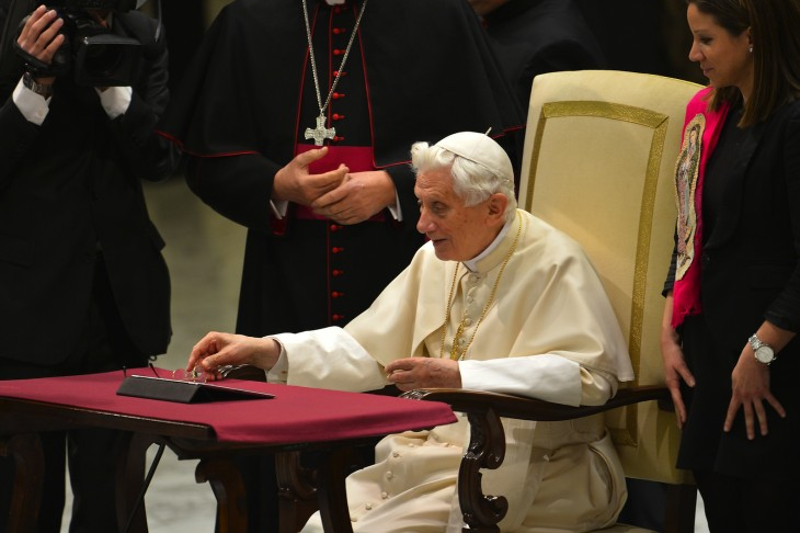pope on twitter via getty images 730x486 2012s biggest tech news in pictures
