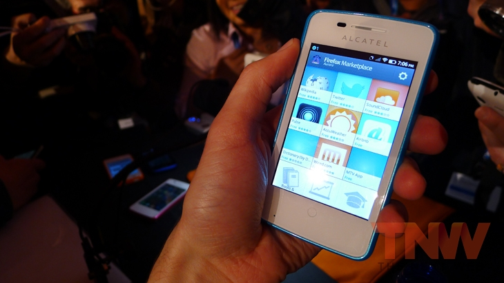 Alcatel1wtmk Hands on with Firefox OS: ZTE Open and Alcatel One Touch Fire