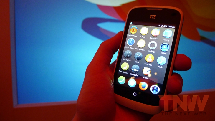 Zte1wtmk1 Twitter will have a native client ready for Firefox OS launch, will support Web Activities for easy tweeting