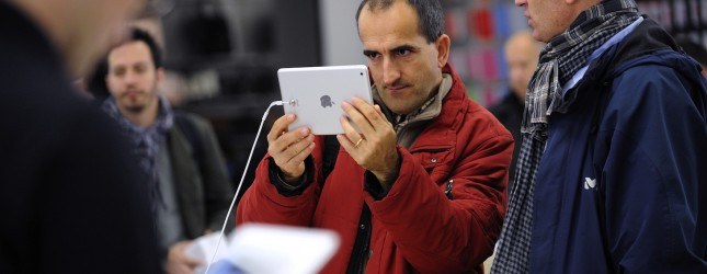 FRANCE-TECHNOLOGY-COMPANY-APPLE