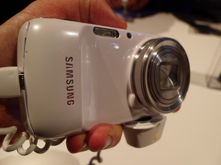 P1040272 730x547 Hands on with the Samsung Galaxy S4 Zoom, a high end Android smartphone packing a mighty 16MP camera