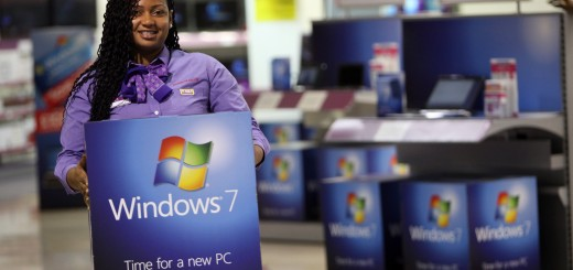 Computer Stores Prepare For Release Of Microsoft Windows 7