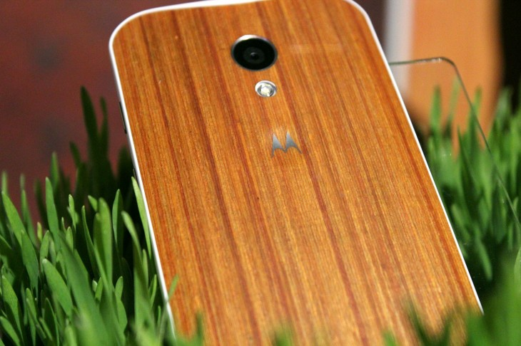 IMG 3119 730x486 Motorola teases beautiful oak and rosewood backed Moto X devices, shipping in Q4