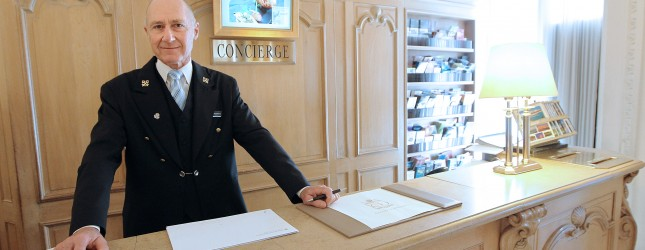 FRANCE-HOTEL-CONCIERGE-LUXURY-CARLTON