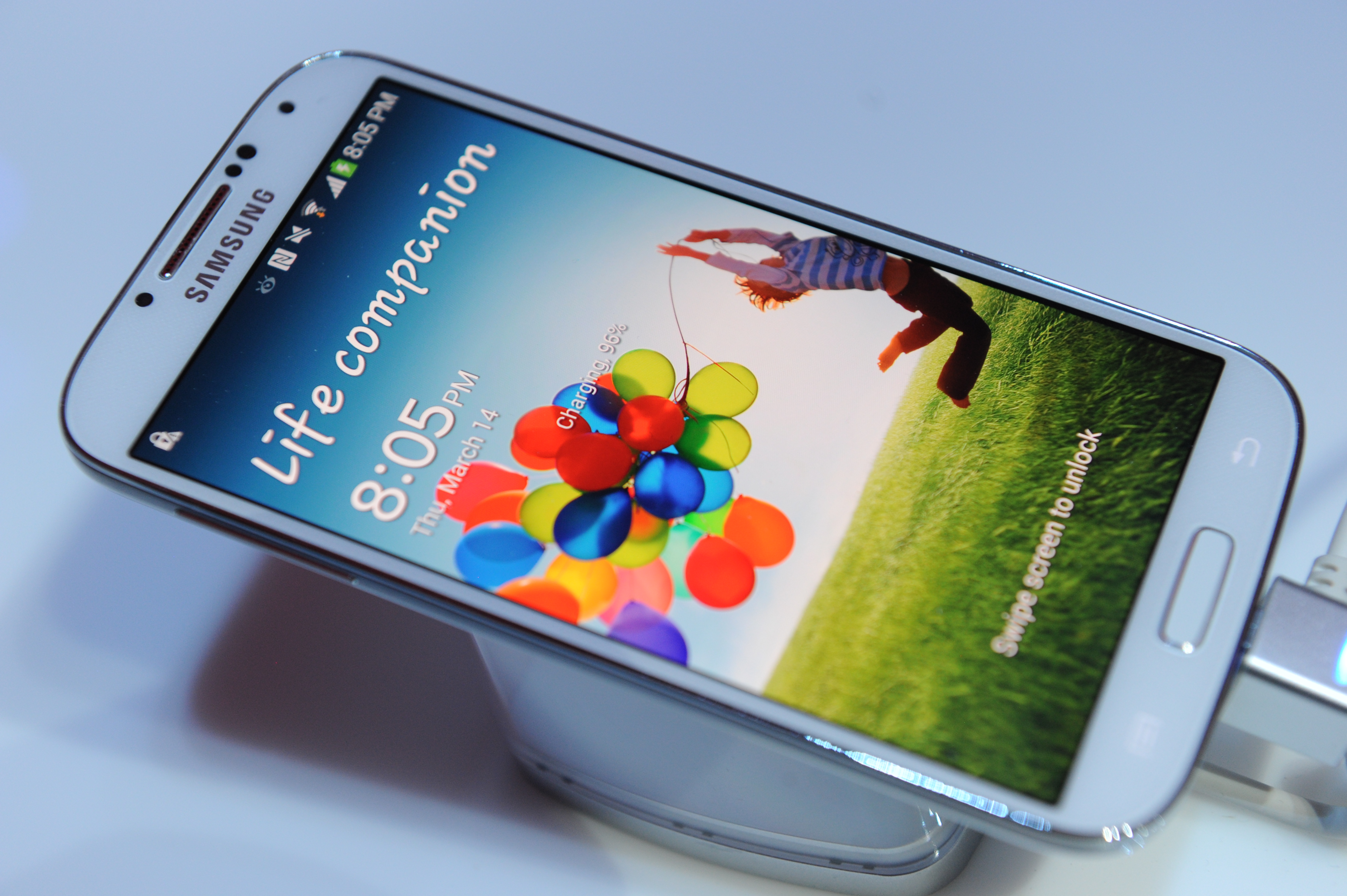 Samsung's Galaxy S5 smartphone will reportedly launch by April and could include eye-scanning tech