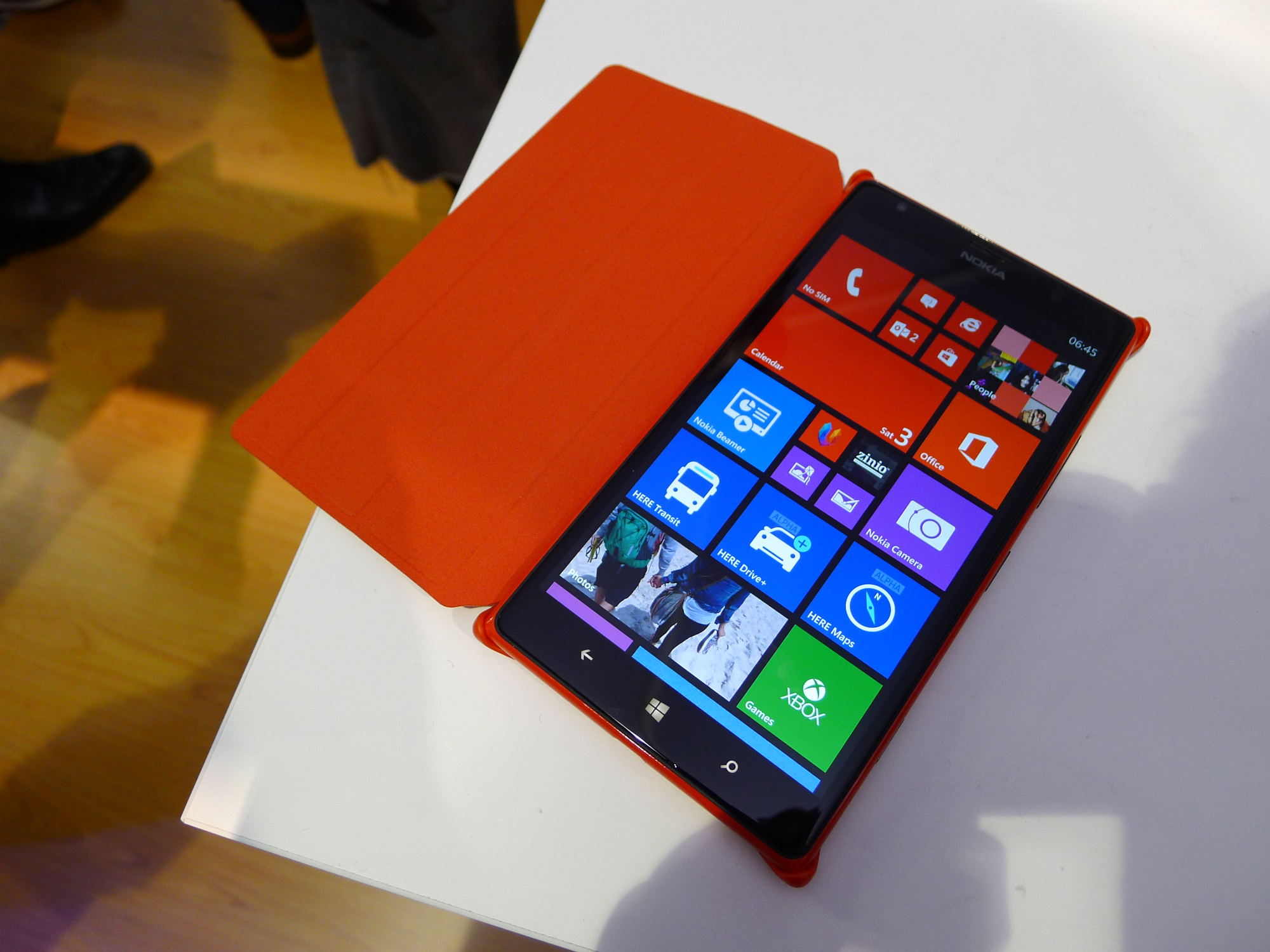 1520resize Nokia Lumia 1520 hands on: This colossal 6, 1080p quad core smartphone is sizing up the Galaxy Note 3