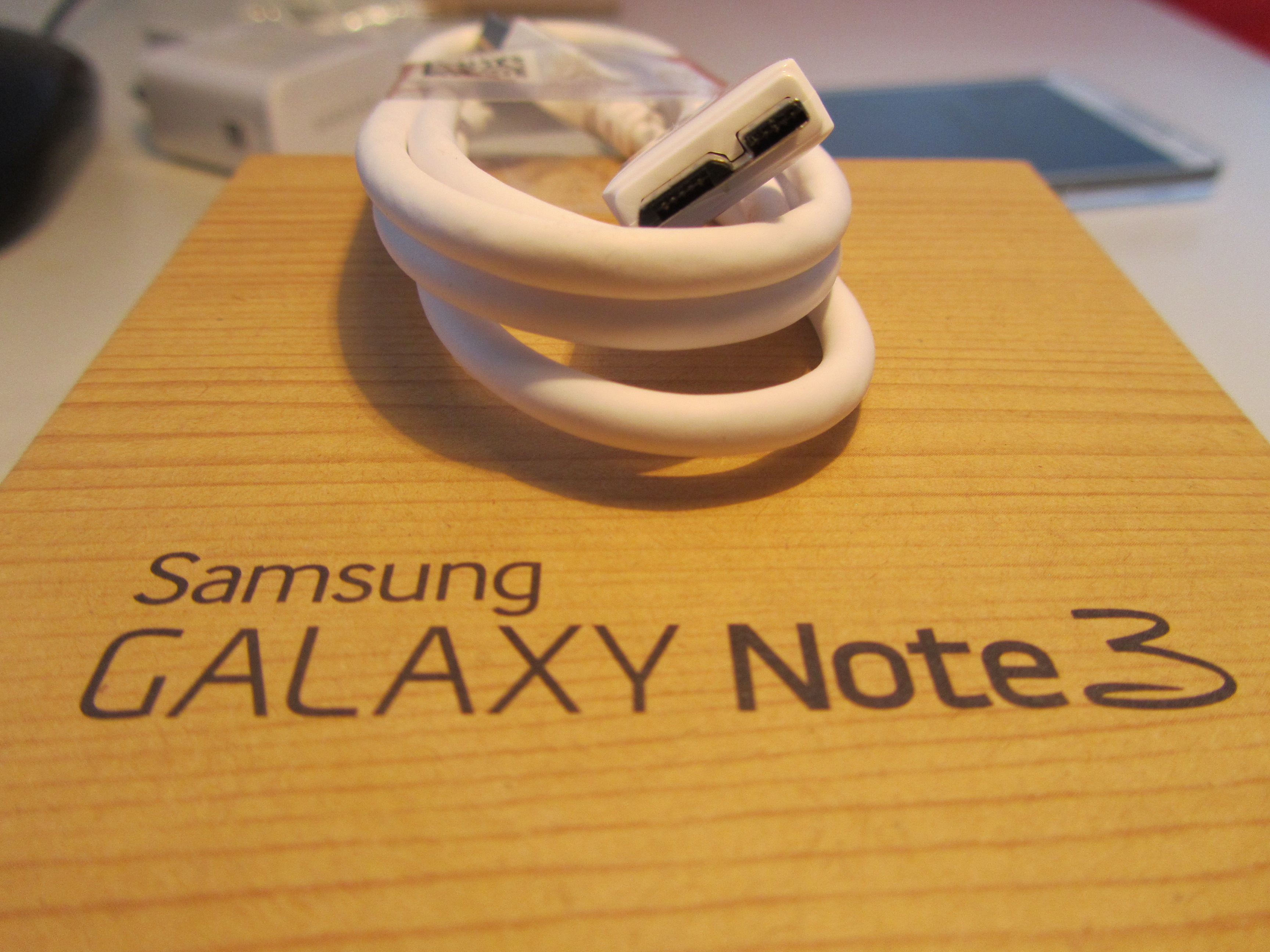 Note3 Charger Samsung Galaxy Note 3 review: One of the best Android handsets money can buy, if you can hold it