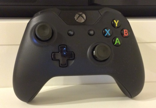 xboxone controller 520x363 Xbox One review: A multimedia extravaganza that also plays games