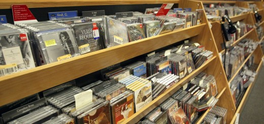 Music CD Prices Cut By Universal Music Group