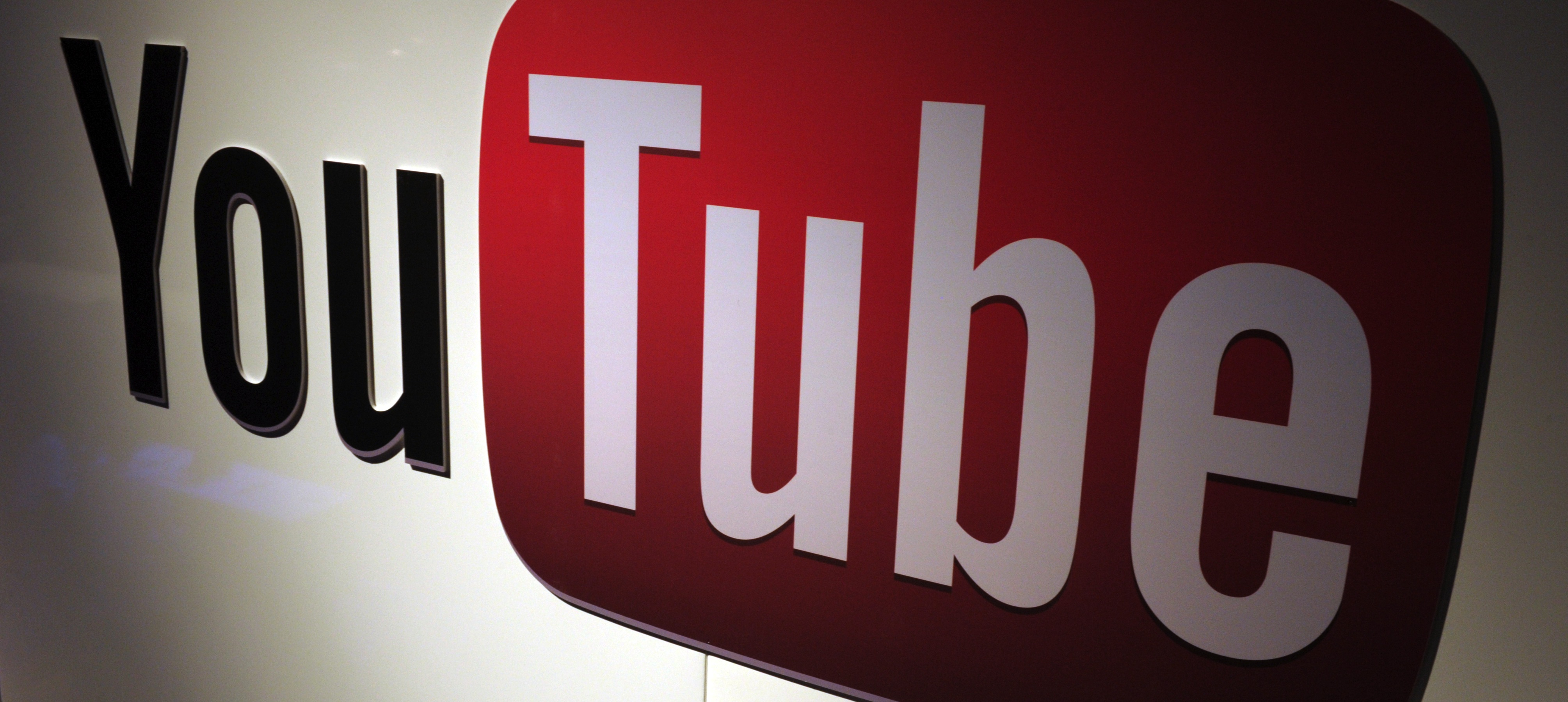 YouTube for iOS Gets More Playlist and Commenting Features