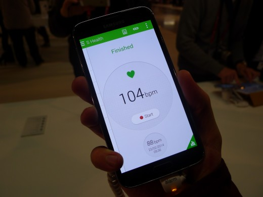 P1050118 520x390 Samsung Galaxy S5 hands on: Is the fingerprint scanner and heart rate monitor just a gimmick?