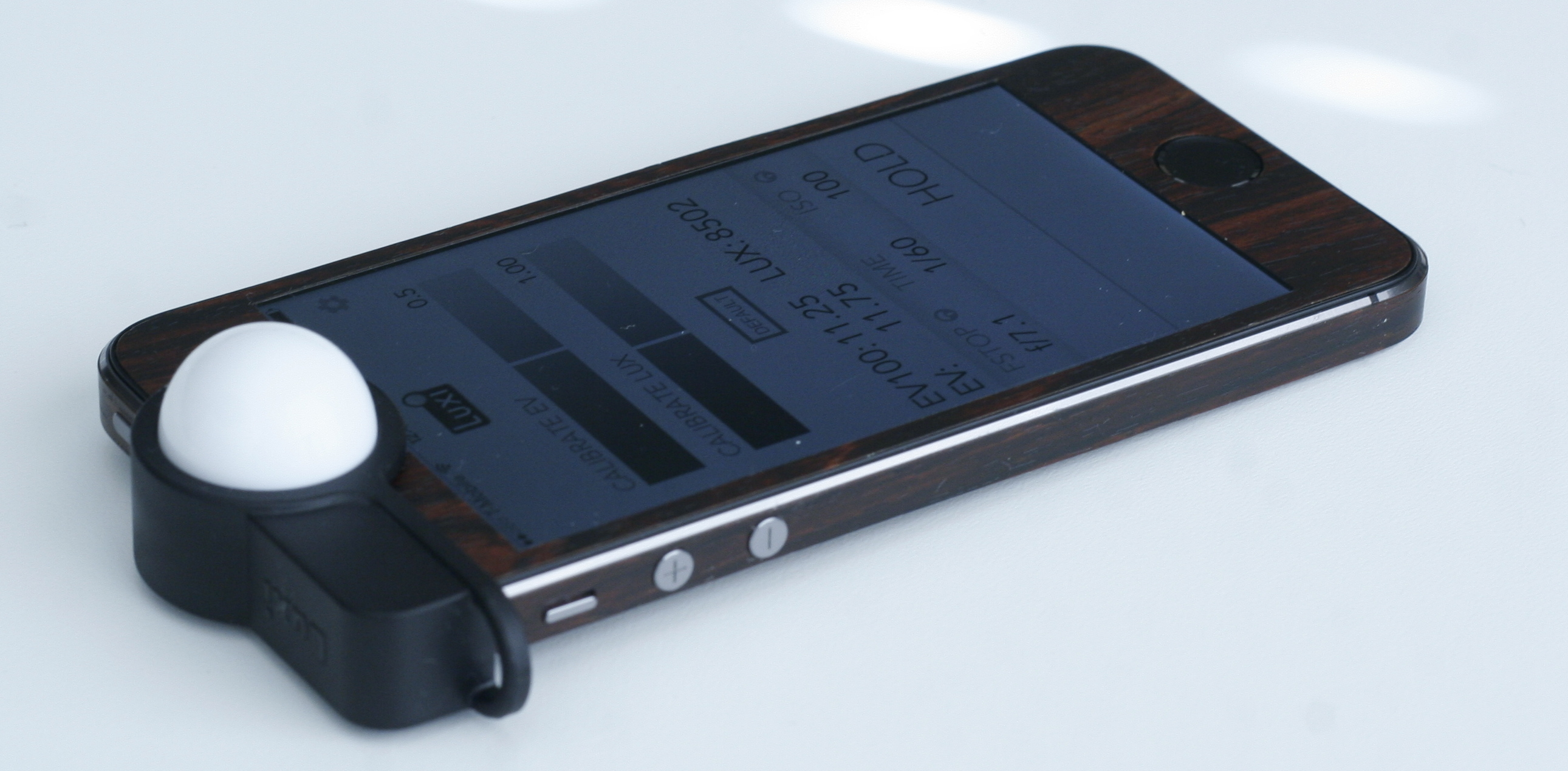 Luxi turns your iPhone into an incident light meter
