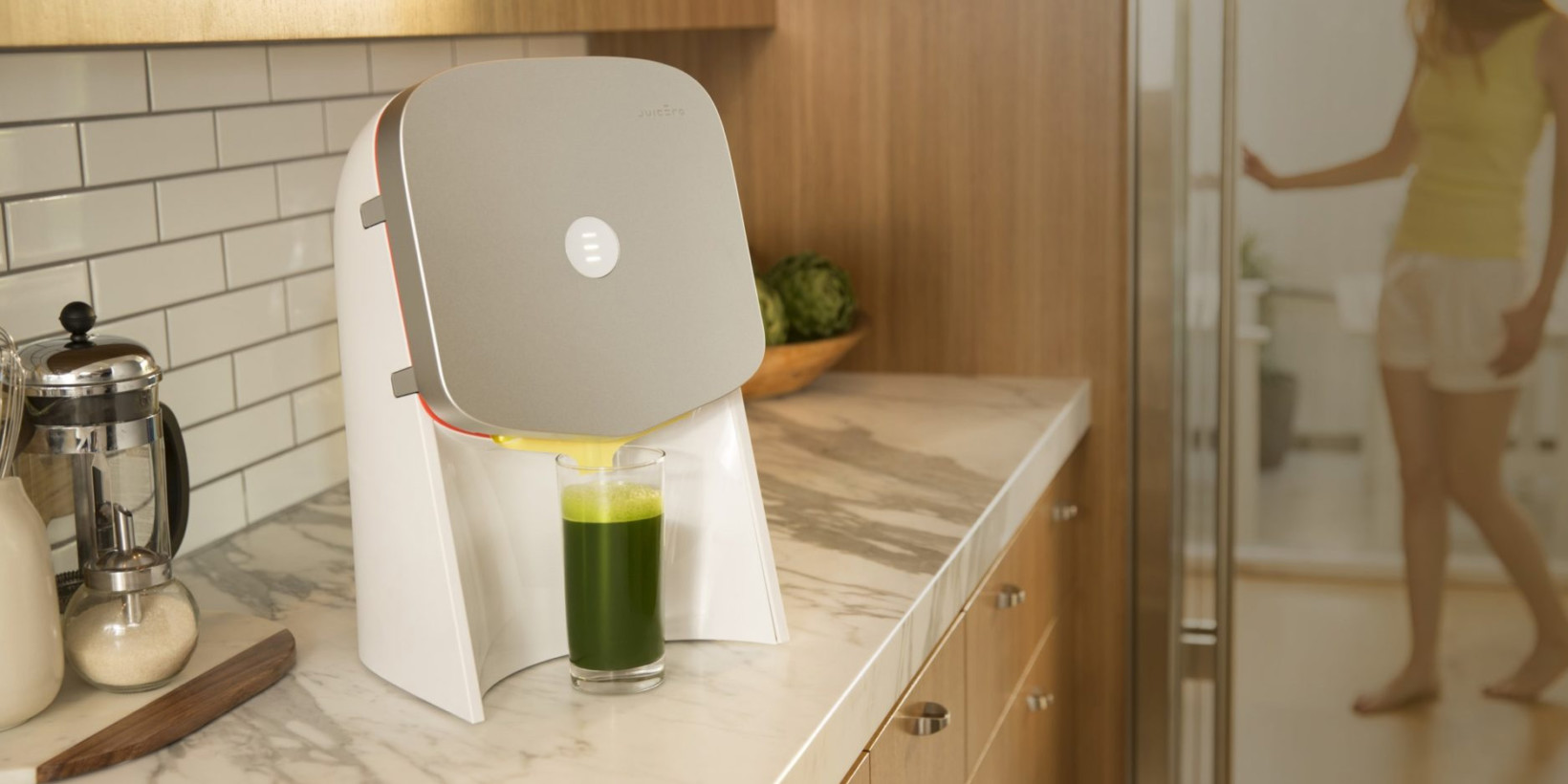 photo image This $400 juicer that does nothing but squeeze juice packs is peak Silicon Valley