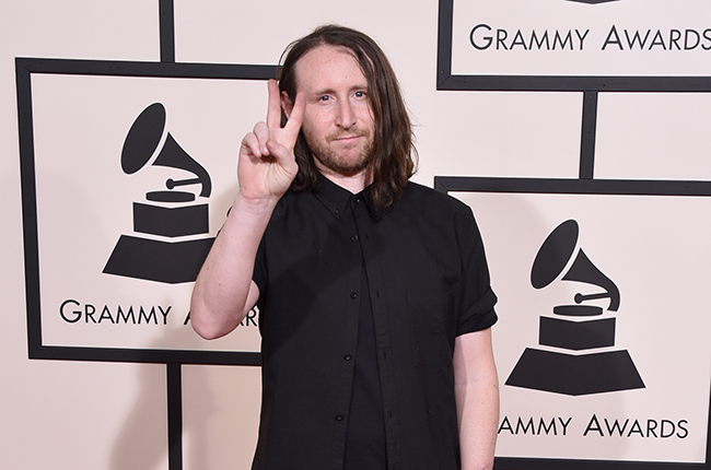 Incubus Guitarist Michael Einziger is Ready to Upgrade Live Sound with MIXhalo